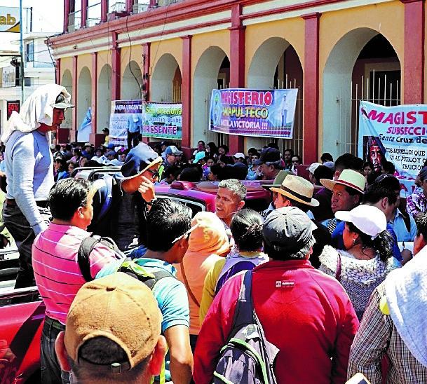 El magisterio se declaró en asamblea permanente en abril, el paro de maestros fue de 21 días. (Foto Prensa Libre: Hemeroteca PL)