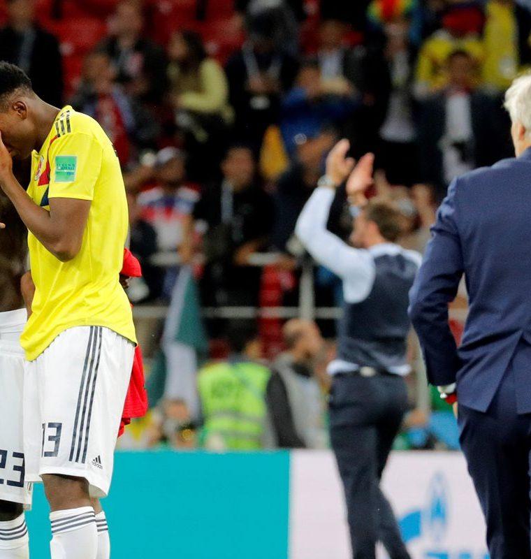 Sánchez y Mina se regocijaron el uno con el otro y lloraron cuando Colombia fue eliminada en penaltis por Inglaterra. (Foto Prensa Libre: EFE)