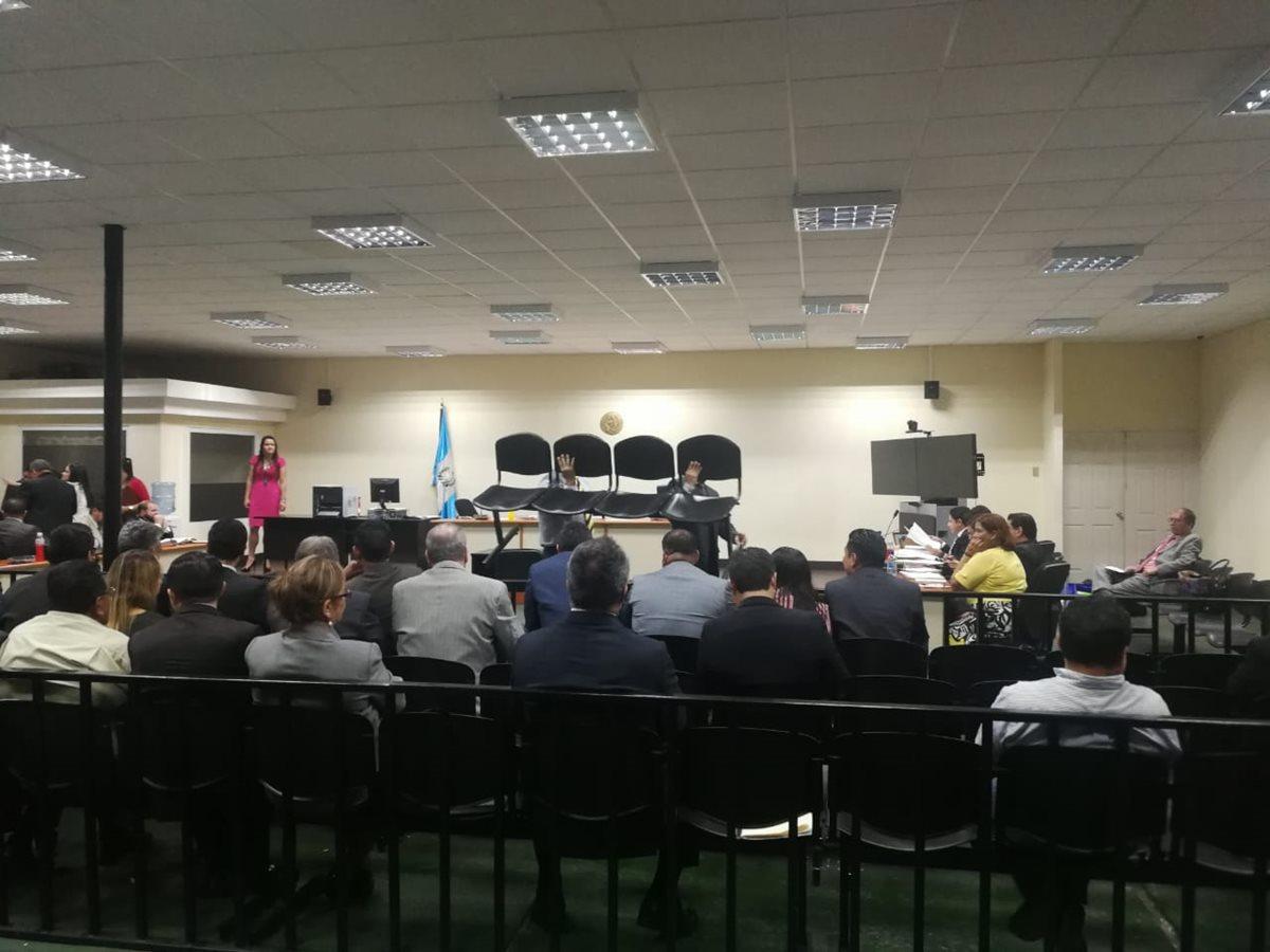 Defensa de Inngmar Iten detiene caso Traficantes de influencias