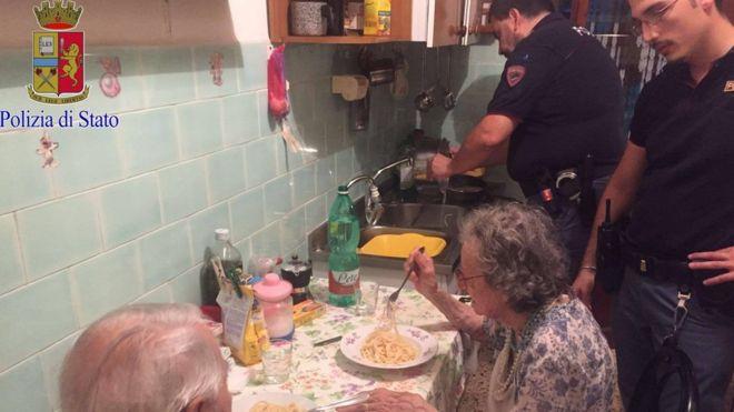Los vecinos llamaron a la policía de Roma alarmados por los llantos desconsolados que salían del apartamento de Jole y Michele. QUESTURA DI ROMA