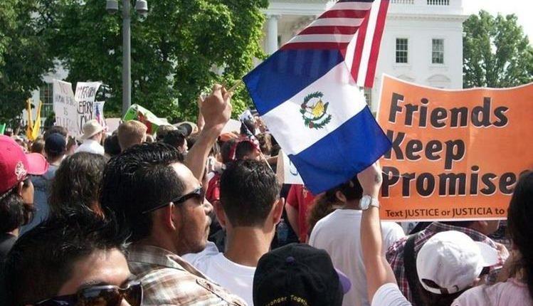 De tres millones de guatemaltecos en EE. UU., sólo unos 11 mil 773 tienen residencia. (Foto: Hemeroteca PL)