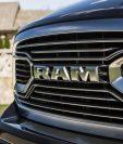 Un grupo de ladrones se robaron entre 10 y 11 pickpus Dodge Ram de Fiat Chrysler fabricadas en una planta en Warren cerca de Detroit, Michigan.