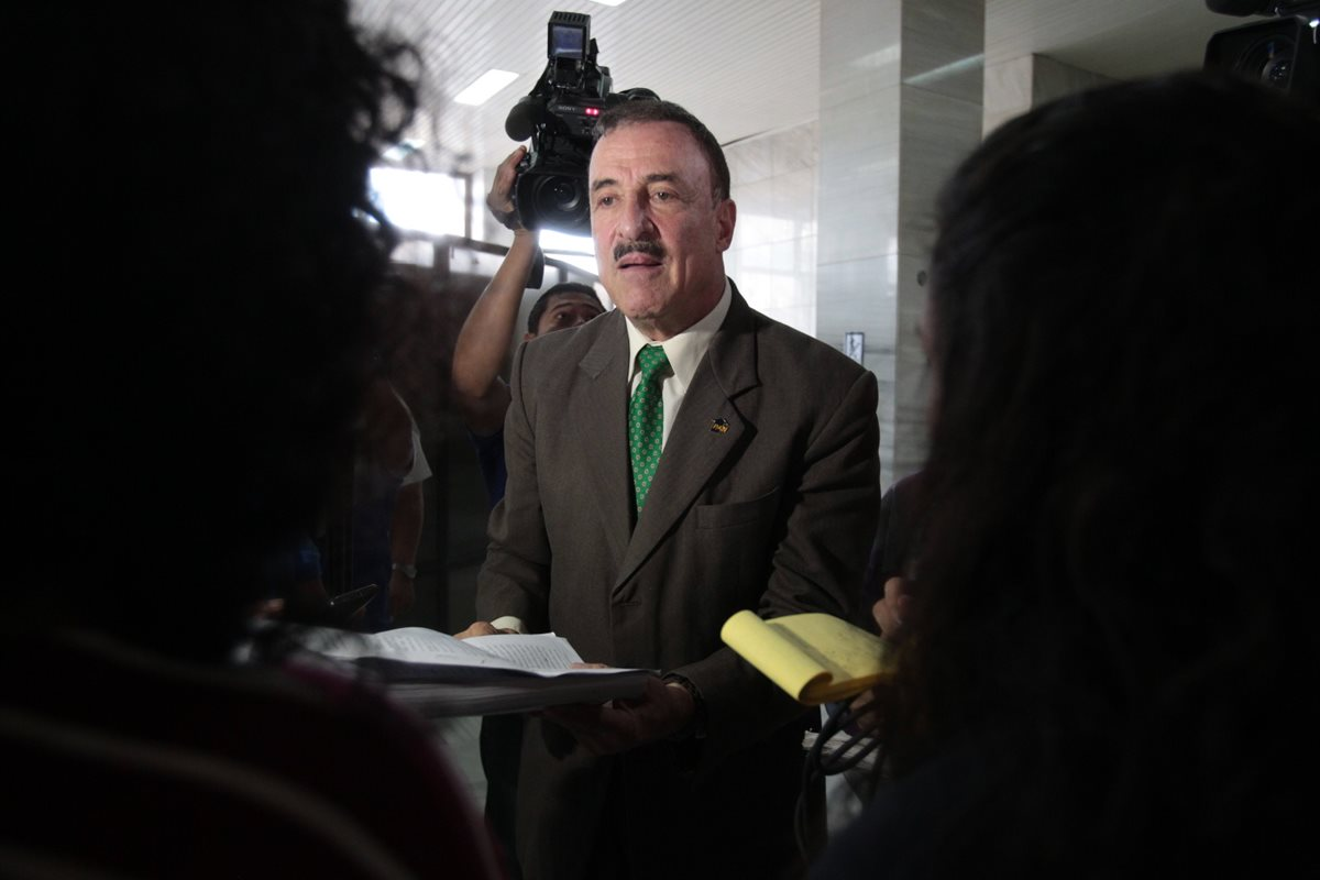 El diputado Fernando Linares Beltranena. Foto Prensa Libre: Hemeroteca PL.