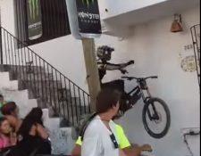 El piloto Franz Grossman sufrió un terrible choque en la primera edición del Down Puerto Vallarta. (Foto Redes Sociales).