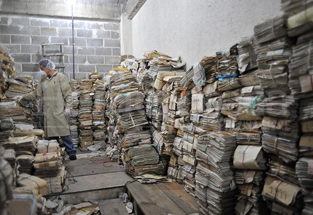 El Archivo de la extinta Policía Nacional fue localizado en un estado deplorable el 5 de julio de 2005. (Foto: Hemeroteca PL)