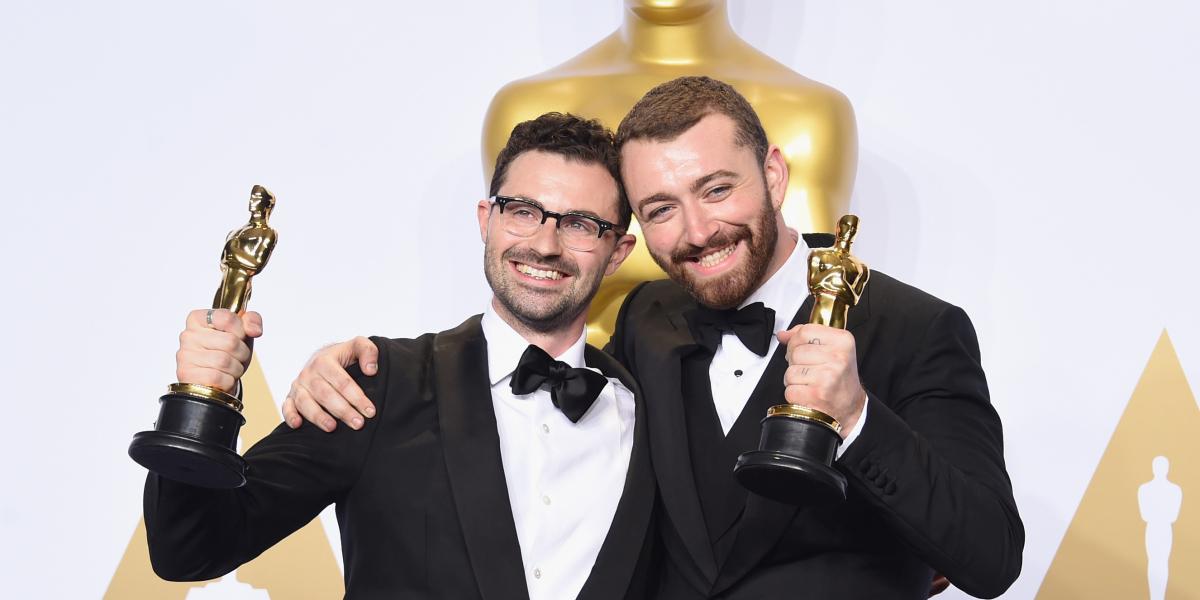 Sam Smith y Jimmy Napes ganaron el Óscar en 2016 por el tema Writing's on the Wall para la película Spectre. (Foto Prensa Libre: HemerotecaPL)