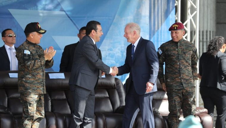 La Presidencia nuevamente compartió una actividad con el alcalde capitalino. (Foto Prensa Libre: Érick Ávila)