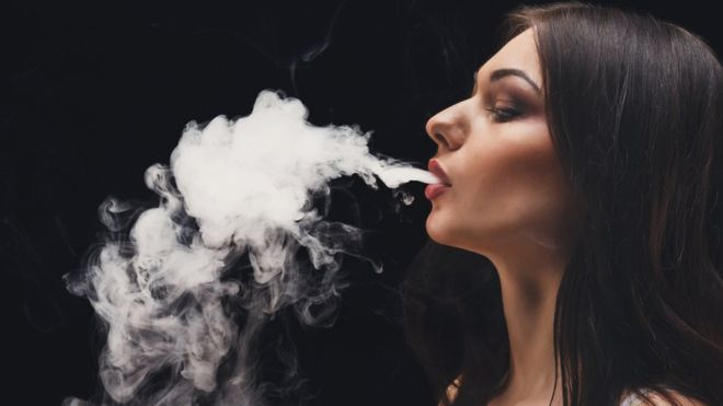 La EPOC afecta principalmente a quienes viven expuestos a los humos del tabaco. GETTY IMAGES
