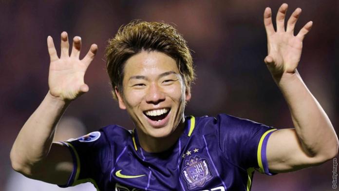 El Arsenal apostó por Asano de cara a la temporada 2016-2017. (Foto Prensa Libre: Arsenal FC)