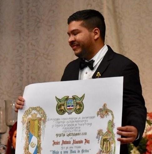 Javier Alvarado fue el ganador en la rama de Poesía. (Foto Prensa Libre: Fred Rivera)