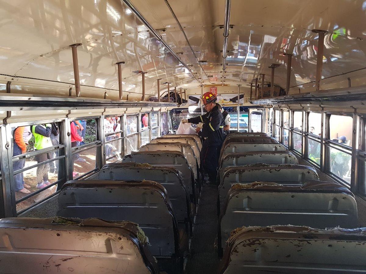 Ataque armado en autobús deja un pasajero muerto en Santiago Sacatepéquez
