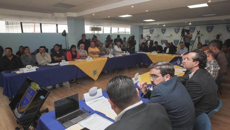 La Asamblea de este viernes tocó varios puntos importantes, entre ellos la modificación a una regla. (Foto Prensa Libre: Norvin Mendoza)