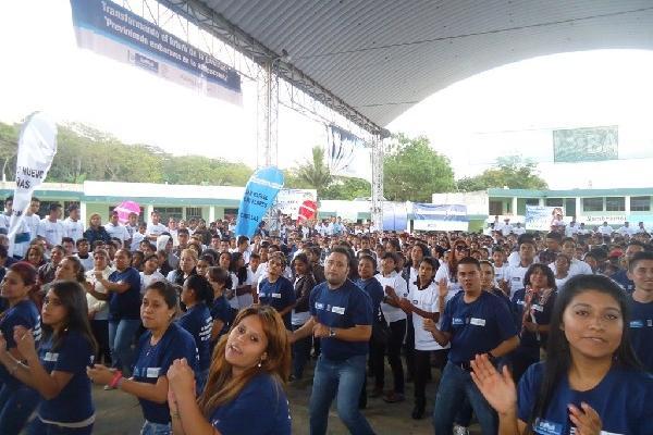 """Unos mil  500 jóvenes participan en el primer encuentro  con  el lema """"Transformando el futuro de la juventud: Previniendo embarazos en la adolescencia"""", organizado por el Área de Salud de Santa Rosa."""