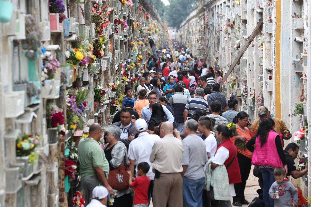 En el cementerio General coinciden hasta cinco inhumaciones en el mismo lugar según administradores (Prensa Libre: Hemeroteca PL)