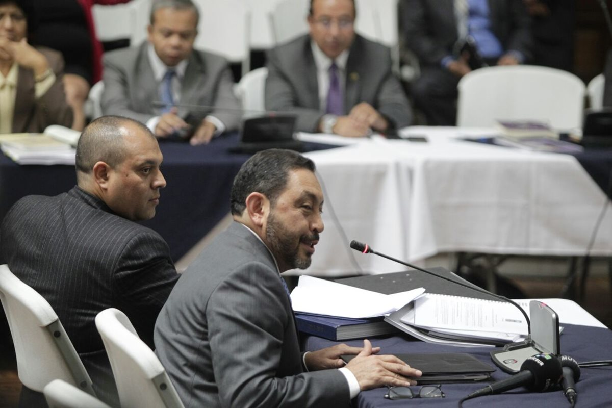 López Bonilla habla, y arremete contra Monzón