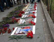 Ayer realizaron un homenaje en memoria de los líderes indígenas asesinados frente al Ministerio de Gobernación. (Foto Prensa Libre: Twitter)