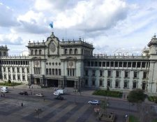 El edificio integra además de diferentes estilos, murales, vitrales y otros ricos detalles arquitectónicos. (Foto Prensa Libre: Hemeroteca PL)