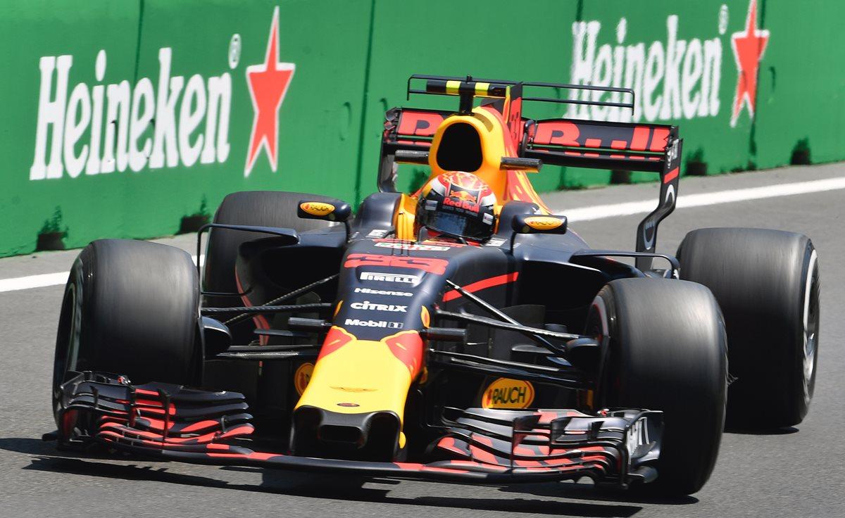 Verstappen, el más rápido en las dos sesiones de ensayos libres de Bakú