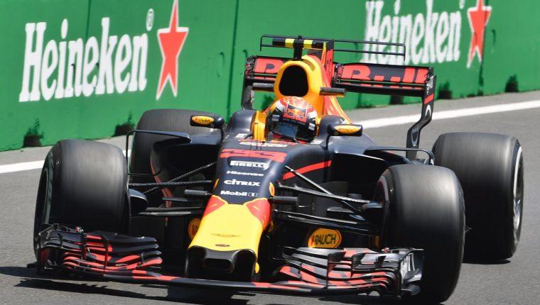 Verstappen fue el más rápido en el circuito de Bakú. (Foto Prensa Libre: AFP)