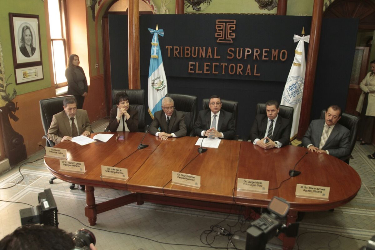 Diputados electos pierden curul por restricción constitucional