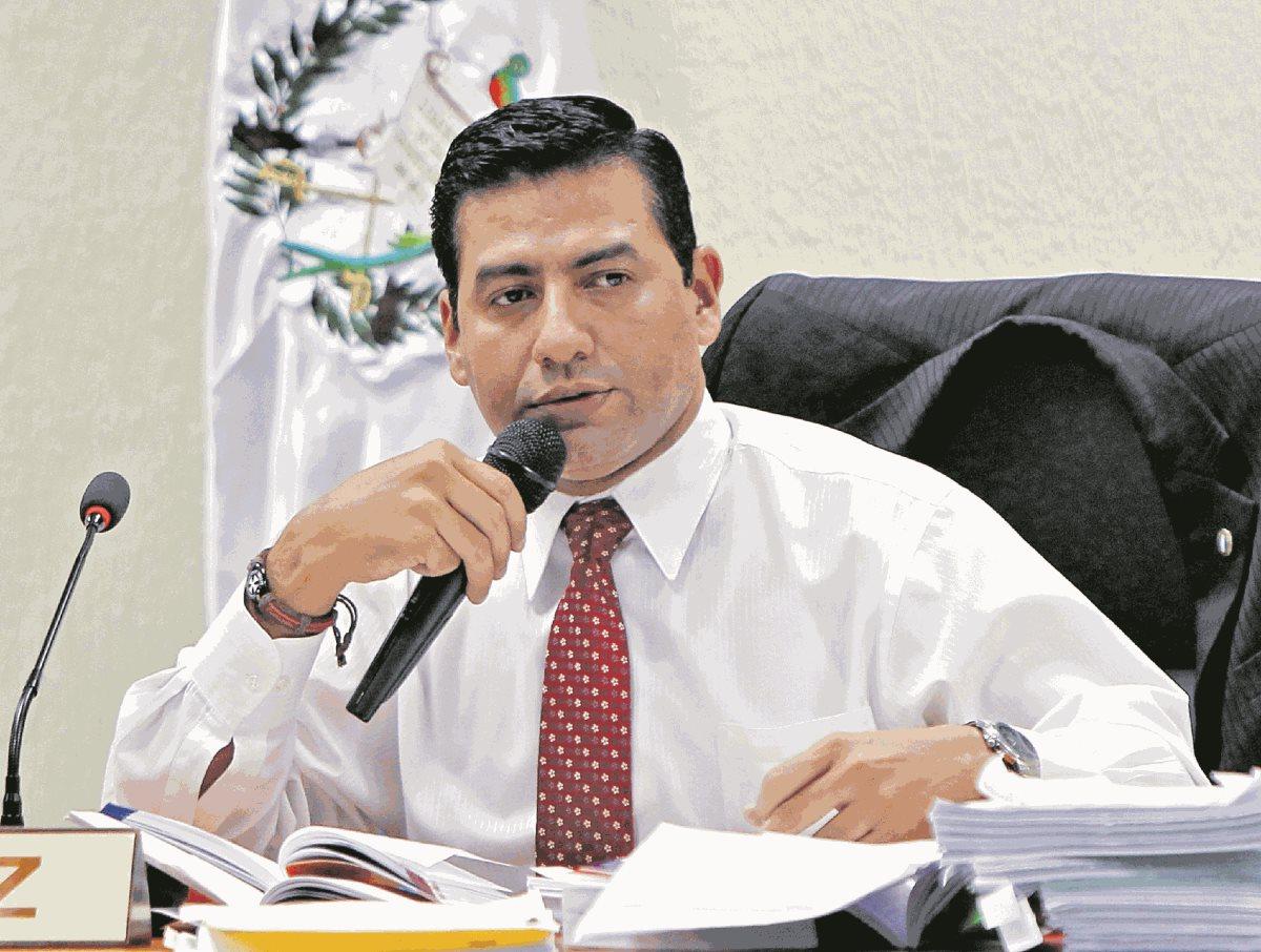El juez Carlos Guerra fue hospitalizado luego de un accidente de tránsito que sufrió en la ruta al Atlántico. (Foto Prensa Libre: Hemeroteca PL)