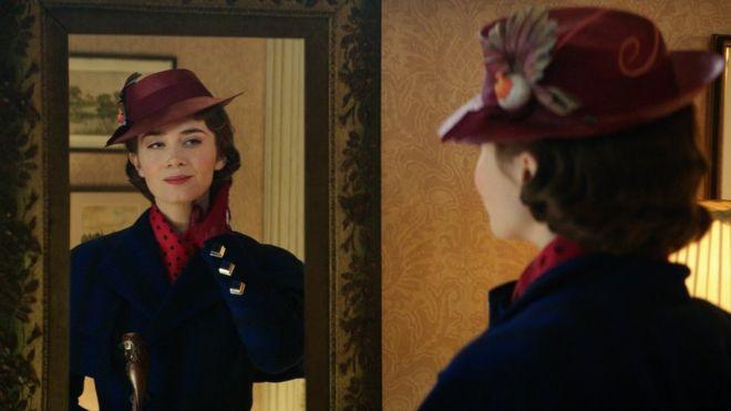 La actriz inglesa Emily Blunt interpreta a Mary Poppins en el remake de la película de 1964. (DISNEY)