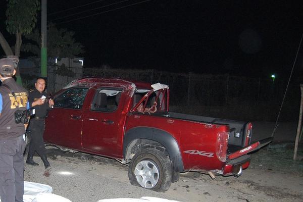 """Picop en el que viajaban las dos personas que murieron y las dos que resultaron heridas, en Pajapita, San Marcos. (Foto Prensa Libre: Alexánder Coyoy) <br _mce_bogus=""""1""""/>"""