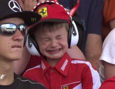 La imagen del pequeño llorando por el abandono de Kimi dio la vuelta al mundo. (Foto Prensa Libre: Twitter F1)