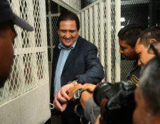 Gustavo Alejos es ingresado a la carceleta de Tribunales, el día de su captura. (Foto Prensa Libre: Hemeroteca PL)