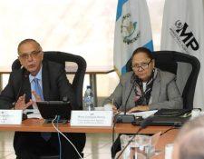 La fiscal General, María Consuelo Porras (derecha) mantuvo una videoconferencia con el titular de la Cicig, Iván Velásquez. (Foto: Hemeroteca PL)