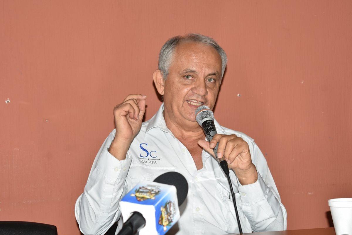 Salvador Cordón anunció que deja el cargo de gobernador de Zacapa, debido a complicaciones de salud. (Foto Prensa Libre: Mario Morales)