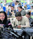 El principal producto que Guatemala despacha a los Estados Unidos son artículos de vestuario y textil. El sector mantiene expectativas ante los anuncios del presidente Donald Trump. (Foto Prensa Libre: Hemeroteca)
