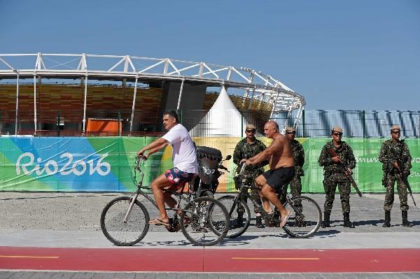 Militares brasileñoS vigilan el Parque Olímpico de los Juegos Río 2016. (EFE).