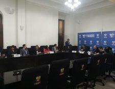 Los miembros de la Comisión de Finanzas del Congreso dictaminaron el proyecto de presupueto 2019. (Foto Prensa Libre: Carlos Álvarez)