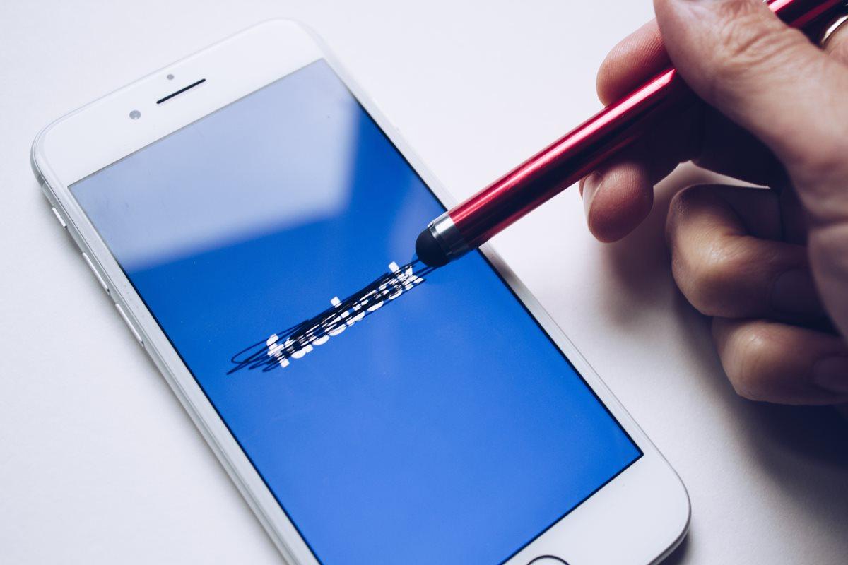 Usuarios reportaron este lunes una caída de Facebook a nivel mundial. (Foto Prensa Libre: Unsplash)