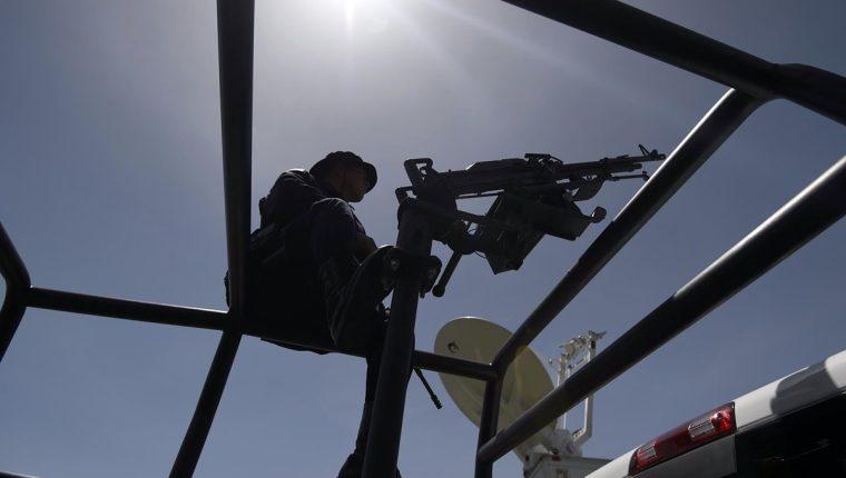 Según testimonios de migrantes que sobrevivieron al ataque, había policías entre quienes dispararon contra el camión. (Foto: Hemeroteca PL)