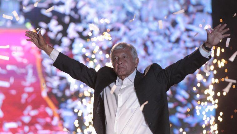 Sondeos ya dan como virtual ganador de la Presidencia de México a Andrés Manuel López Obrador. (Foto Prensa Libre: EFE)