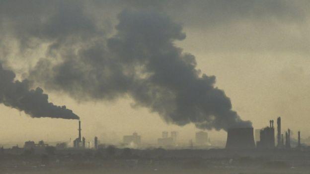 Para algunos expertos, la verdadera solución está en reducir los gases de efecto invernadero. GETTY