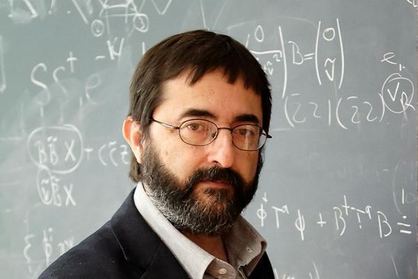 """Científico guatemalteco experto en la Teoría de Cuerdas (Foto Prensa Libre: Cortesía de Fernando Quevedo Rodríguez).<br _mce_bogus=""""1""""/>"""