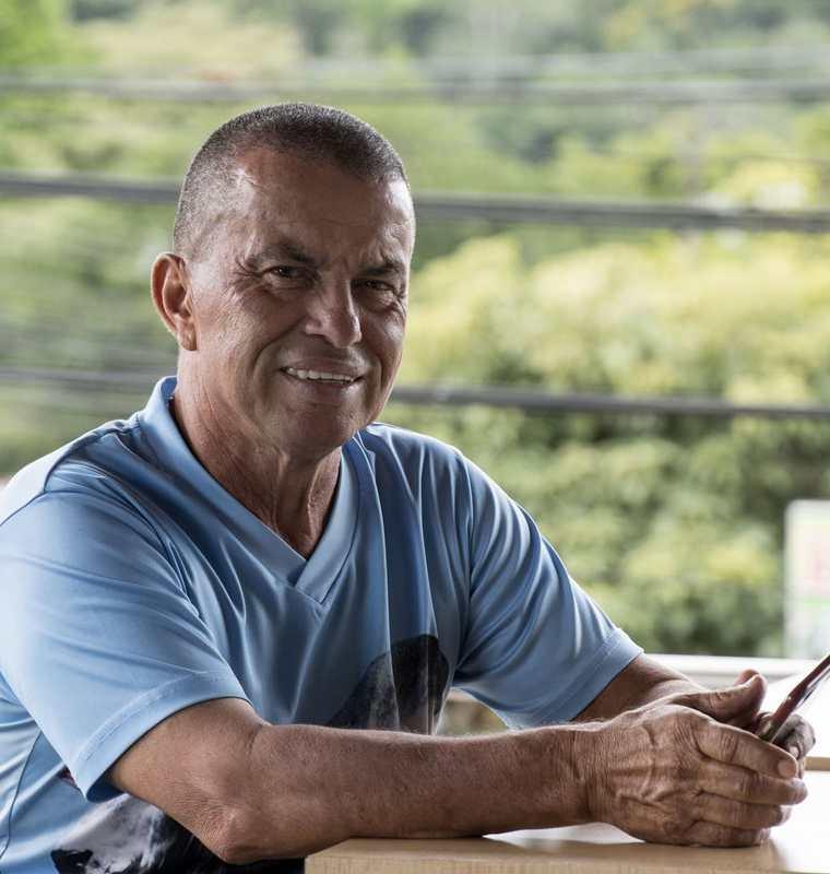 Juan de Dios Madriz, entrenador del equipo Pedregoso donde el Keylor Navas comenzó su carrera. (Foto Prensa Libre: AFP)