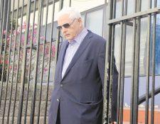 El expresidente panameño Ricardo Martinelli, mientras salía de la sede del Parlacén en Guatemala en 2014. (Foto Prensa Libre: Hemeroteca PL).