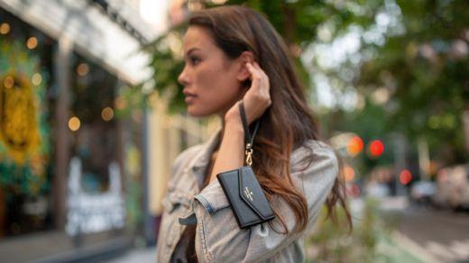 La firma Kate Spade diseñó un estuche especial para el celular. PALM