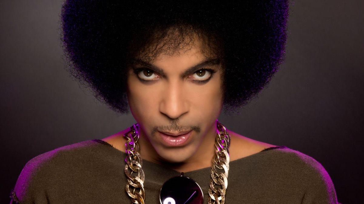 Prince fue encontrado muerto este jueves por la mañana en su casa en Minnesota, y aún se desconocen las causas de su deceso. (Foto: Hemeroteca PL).