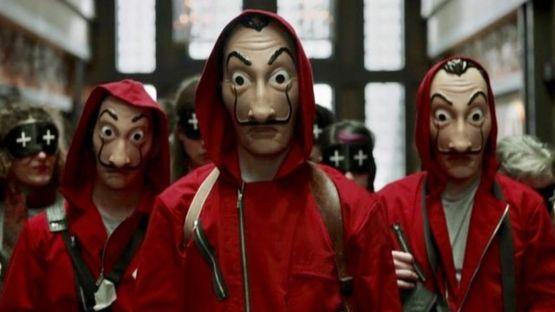 """Las máscaras y vestuario característico de los personajes de """"La casa de papel"""" se convirtieron en íconos para los seguidores de la serie. ATRESMEDIA"""