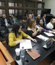 La defensa de varios procesados en el caso Cooptación del Estado durante la audiencia, en el Juzgado de Mayor Riesgo B. (Foto Prensa Libre: Paulo Raquec)