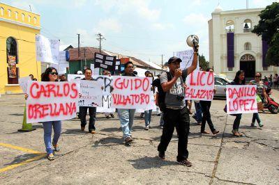 Universitarios exigen justicia por muerte de periodistas