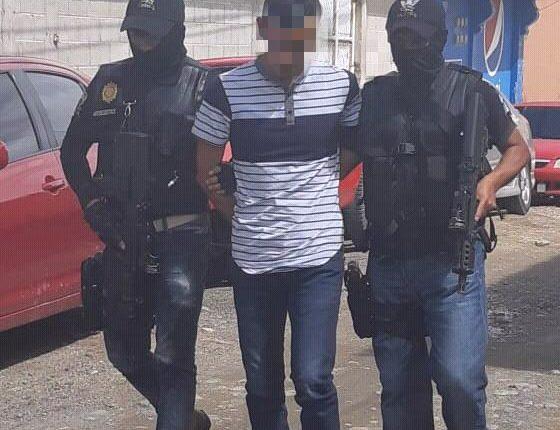 Arbin Adelfo Gómez López, de 22 años, habría fingido su propio secuestro y exigía Q500 mil a su padre, quien migró a Estados Unidos. (Foto Prensa Libre: Mike Castillo)