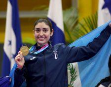 Rosario Bonilla luce la medalla de oro que conquistó en Managua 2017. (Foto Prensa Libre: Carlos Vicente)
