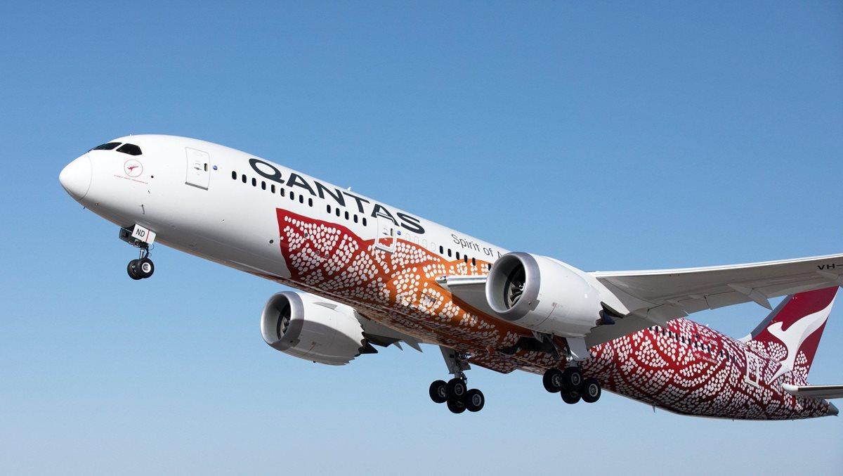La compañía aérea australiana Qantas lanzó sus primeros vuelos de 17 horas sin escalas desde Perth a Londres. (EFE).
