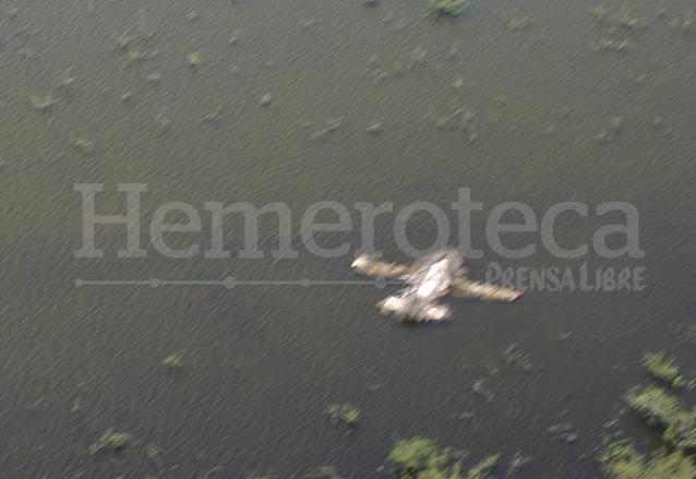 En ese entonces fueron abandonadas 15 avionetas en el área protegida de la Laguna. (Foto: Hemeroteca PL)
